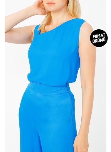 Random Yaka Detaylı Kolsuz Bluz Mavi